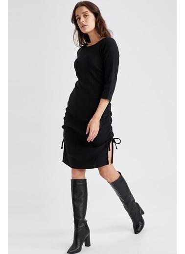 DeFacto Büzgülü Fakir Kollu Yırtmaç Detaylı Örme Elbise Siyah